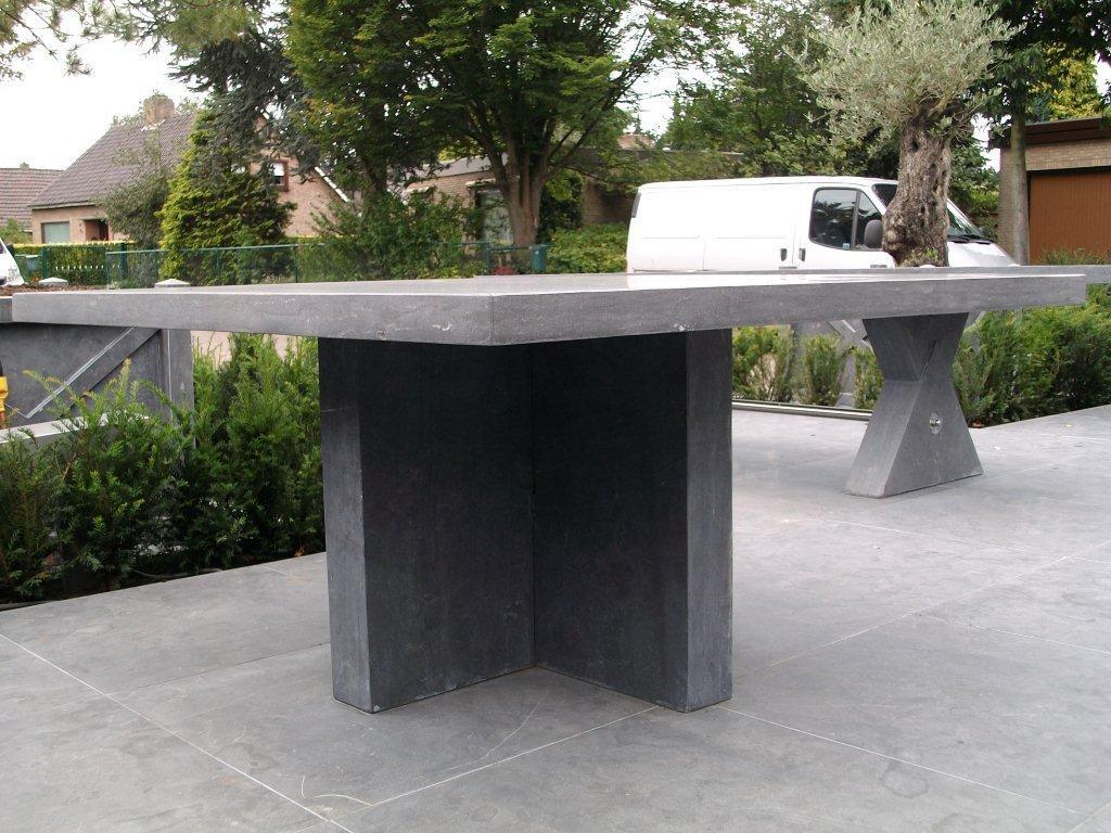Moderne vierkanten tafel 150 x 150 cm bladdikte 6 cm strak