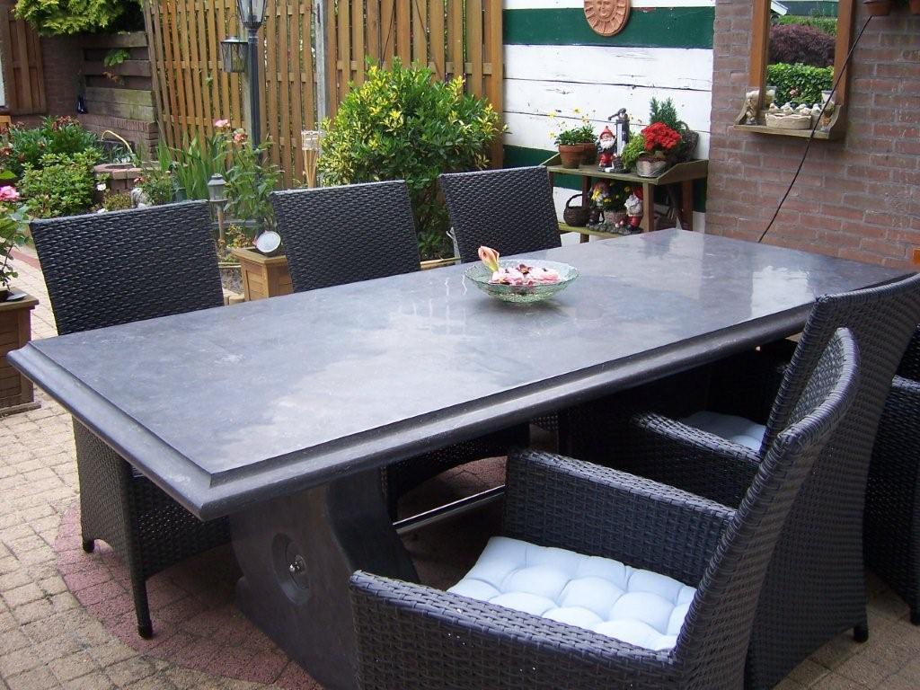 Klassieke tafel 230 x 100 cm geheel uit natuursteen