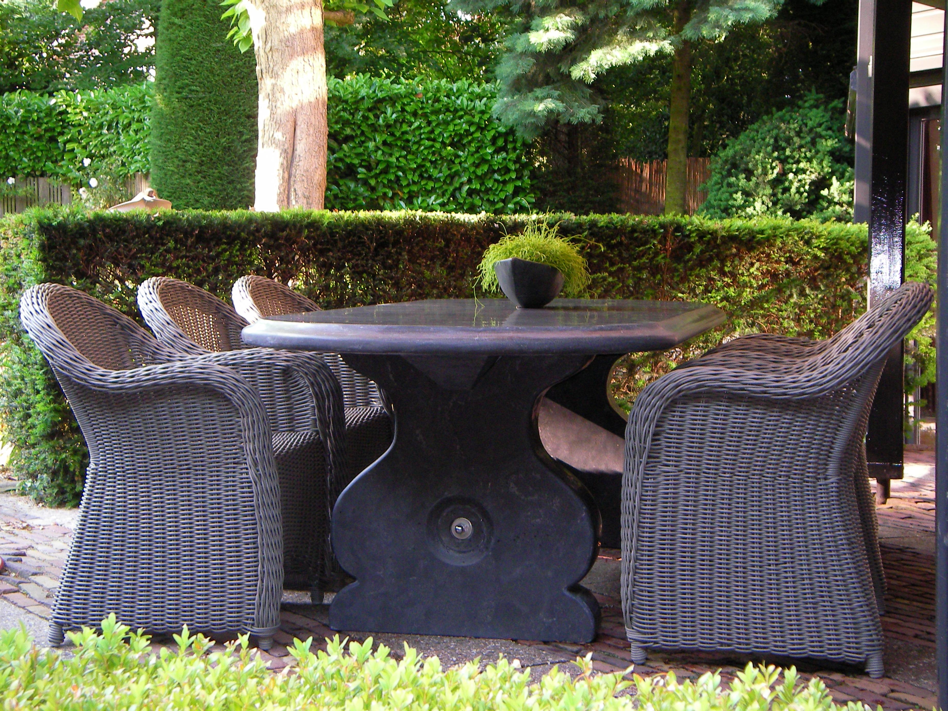 Klassieke Ovale tafel 250 x 100 cm met papegaaienbek rand blad 6 cm